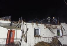 Пожежа у Полонному: вогонь знищив дах житлового будинку