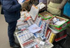 На Хмельниччині торгували контрафактними цигарками