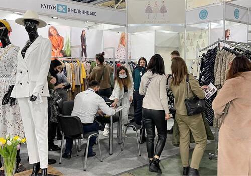 Виробники одягу з Хмельниччини беруть участь у Міжнародному фестивалі моди Kyiv Fashion 2021