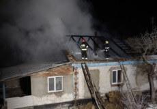 Білогірським пожежникам вдалося врятувати дві оселі селян