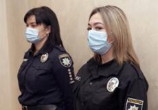 У Хмельницькому жінки-патрульні затримали шахрая