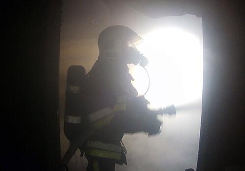 На Ізяславщині через необережність під час куріння загинув 64-річний чоловік