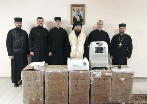 Греко-Католицька Церква надала в безкоштовне користування кисневі концентратори: один із них — Шепетівці