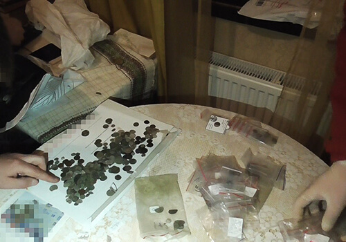 На Хмельниччині колекціонер намагався продати за кордон раритетні монети на 1 млн грн