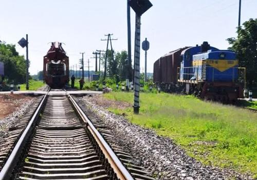 У Шепетівському районі на тиждень закриють переїзд через колії