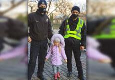 На Хмельниччині горе-мати, допоки сама пиячила, залишила 4-річну доньку на незнайомців