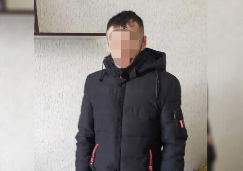 У Славуті затримали шахрая, який ошукав двох бабусь за схемою «родич у біді»