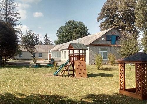 Підряднику, який «нагрів руки» на ремонті полонської школи, обмежать волю на 3 роки
