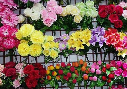 Купити штучні квіти гуртом