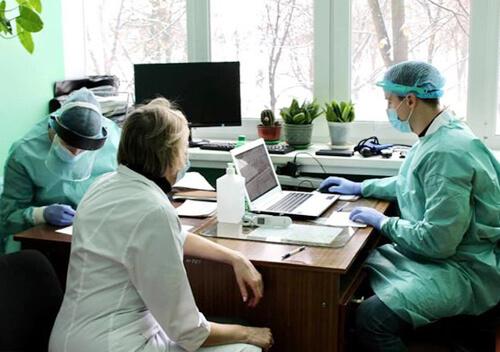 У Нетішині 40 медиків із 384 погодилися на щеплення проти COVID-19