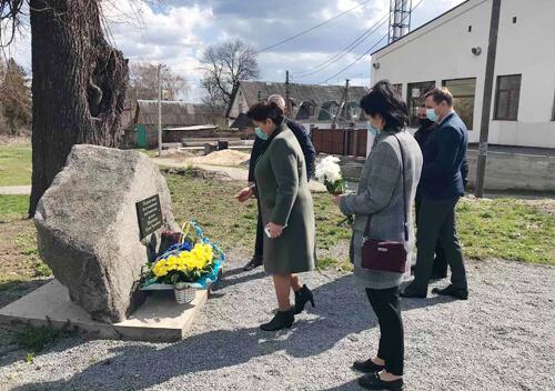 У Шепетівці хвилиною мовчання вшанували пам'ять чорнобильців