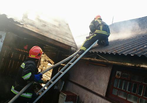 У Шепетівці через порушення правил пожежної безпеки міг згоріти житловий будинок