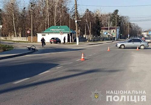 64-річна велосипедистка травмувалась у ДТП в Полонному