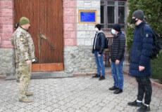 Перших 3-х призовників із Шепетівки призвали до війська
