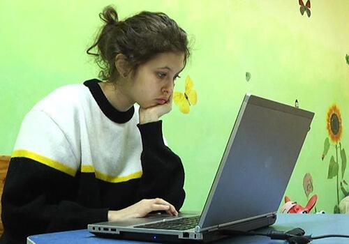 У Шепетівці 15-річна учениця не хоче повертатися до навчання у школі