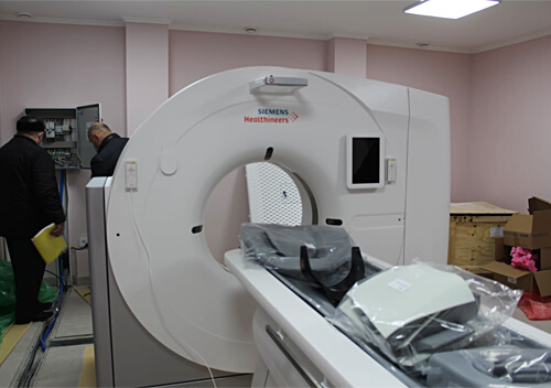 У міській лікарні Славути встановлюють комп'ютерний томограф «Siemens»