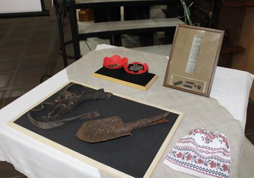 Загиблого на війні солдата зі Славутчини ідентифікували завдяки маленькій чорній капсулі з записочкою