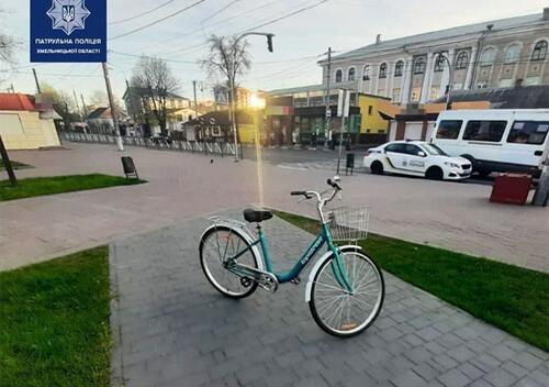 В обласному центрі чоловік викрав у жінки велосипед та роз'їжджав ранковими вулицями