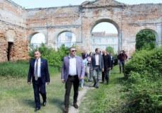 Двоє народних депутатів оцінили реальний стан справ історичних пам'яток Ізяслава