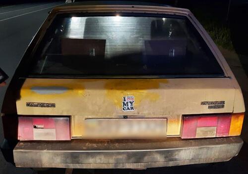 Подвійне везіння: у Хмельницькому патрульні зупинили порушника ПДР на краденому авто