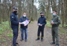 Шепетівські пожежники провели бесіди із любителями лісового відпочинку