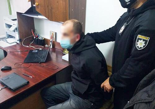 У Старокостянтинові колишній злочинець звернувся до полісмена з корупційною пропозицією