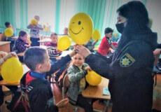 Правоохоронці Шепетівського РУП пояснюють, як вберегти дітей від булінгу в Інтернеті
