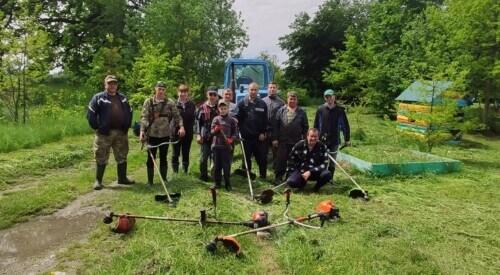 Активісти в Полонному провели толоку