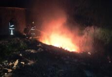 У Нетішині пожежа сміття могла сягнути гаражного кооперативу