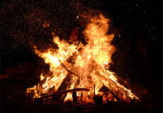 На Полонщині підліток розпалив багаття в колишній їдальні: до відповідальності притягнули батька