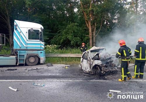 Поліція Хмельниччини встановлює особу водія, що загинув внаслідок ДТП