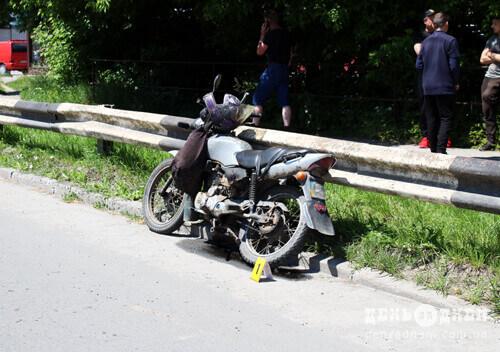 У Шепетівці біля цукрового збили мотоцикліста