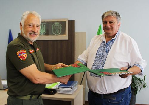 У Нетішині підписали меморандум про співпрацю з президентом «Бойового братерства України»