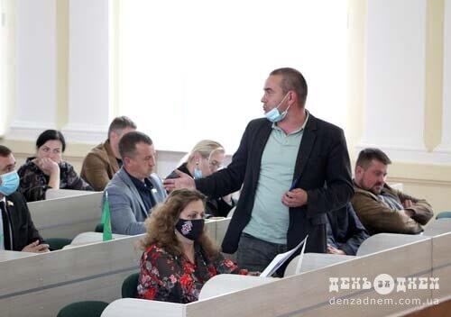 Працівникам Ізяславщини та Білогірщини виплатять близько 3 мільйонів гривень заборгованості по зарплаті