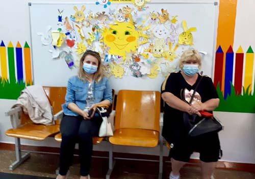 У Нетішині за два дні вакцинували понад 200 освітян і працівників виконкому