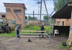 У селі Шепетівського району за сприяння депутатки встановили нову автобусну зупинку