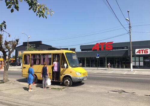 У Шепетівці перевізник призупинив три автобусні маршрути