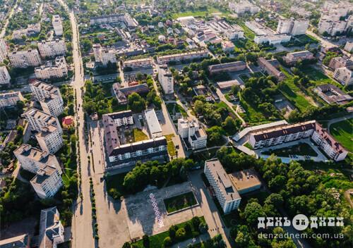 У Шепетівській ТГ перейменують вулиці Островського