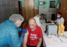 У Шепетівській виправній колонії розпочали вакцинацію засуджених проти COVID-19