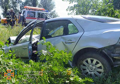 ДТП на Полонщині: пасажир у важкому стані в реанімації