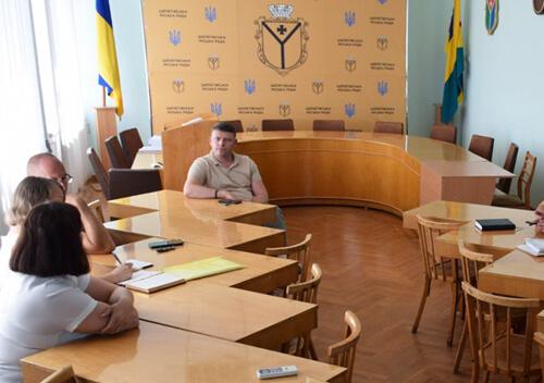 На сесії міської ради прийматимуть на баланс два гуртожитки у Шепетівці