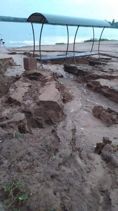 У Шепетівському районі внаслідок буревію знесло покрівлі та припинено електропостачання