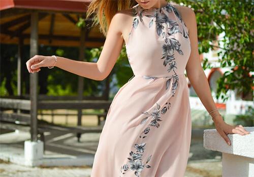 Як за допомогою літньої сукні перетворити фігуру?
