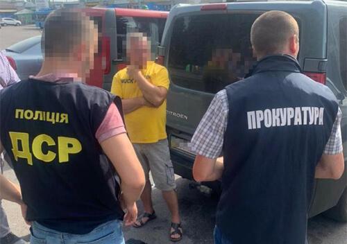 У сусідній з Хмельниччиною області на хабарі затримали професора медакадемії