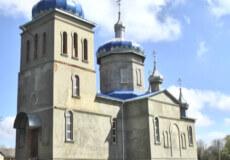 На Хмельниччині 31-річний будівельник зірвався із купола церкви