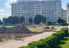 У Нетішині в НВК облаштовують сучасний спортмайданчик