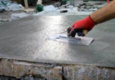 На Хмельниччині нелегальних працівників виявили в майстерні по виготовленні виробів із бетону