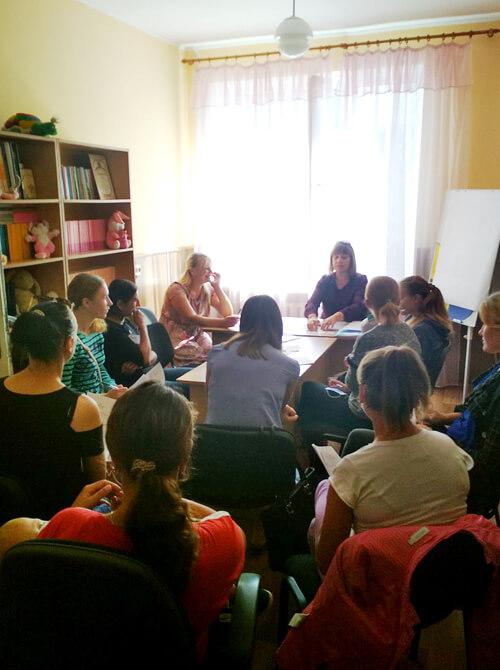 В Ізяславі для мам провели спеціальне навчання