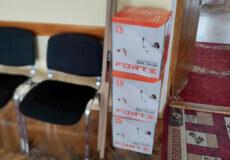 У Шепетівці активісти придбали мотокоси, аби посадовці привели в порядок місто