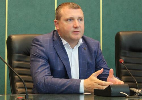 Голова Хмельницької ОДА повідомив, що школи, садочки, лікарні та інші бюджетні установи будуть з теплом
